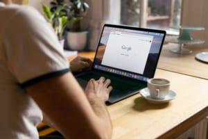 ChromebookでPythonの開発環境を構築する5つの手順_タイトル