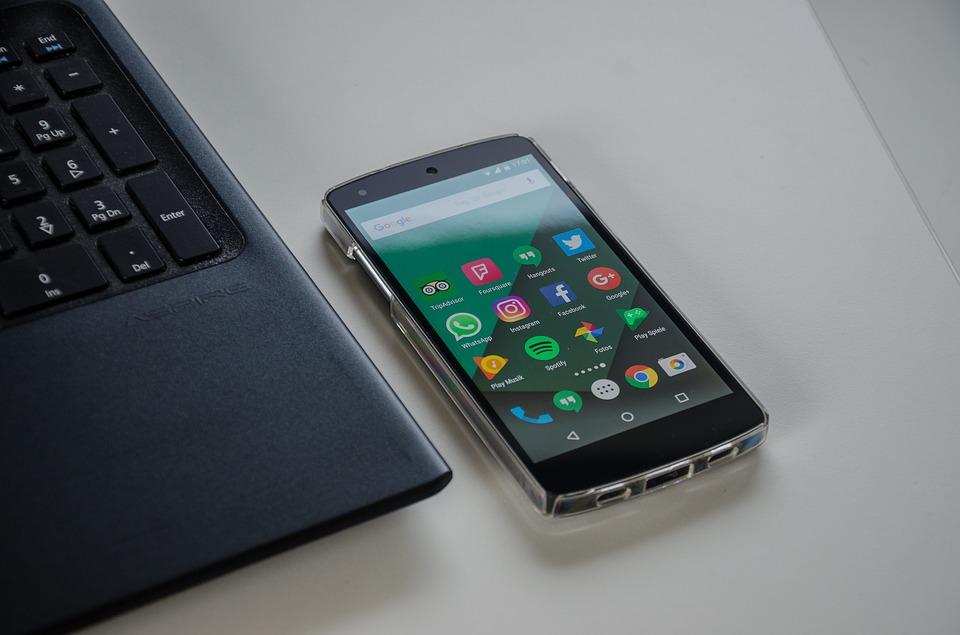 smartphone-1701086_960_720